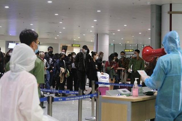 Tạm dừng miễn thị thực đơn phương đối với công dân Belarus, Nga và Nhật Bản để phòng dịch Covid-19 - Ảnh 1