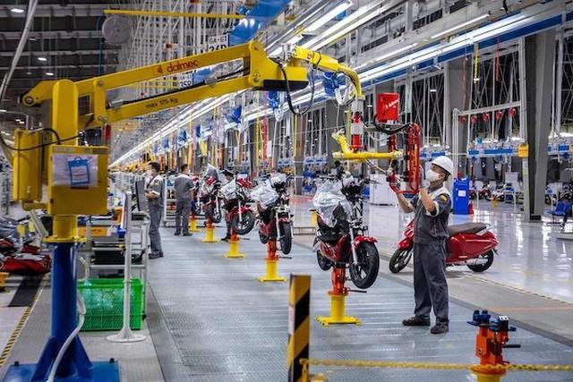 Bloomberg: Xe máy điện VinFast hướng tới tương lai của giao thông xanh tại Việt Nam - Ảnh 3