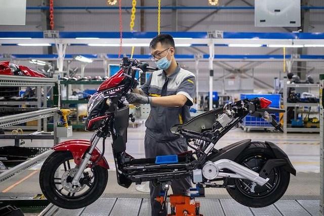 Bloomberg: Xe máy điện VinFast hướng tới tương lai của giao thông xanh tại Việt Nam - Ảnh 1