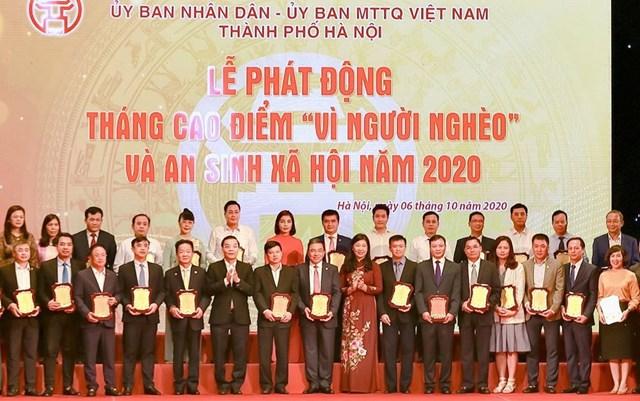 """""""Bầu Hiển"""" ủng hộ 5 tỷ đồng cho quỹ Vì người nghèo Thành phố Hà Nội - Ảnh 3"""