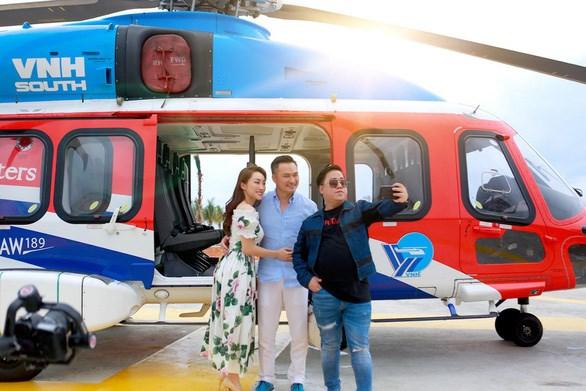 Chi Bảo đáp máy bay tới NovaWorld Phan Thiet  - Ảnh 1