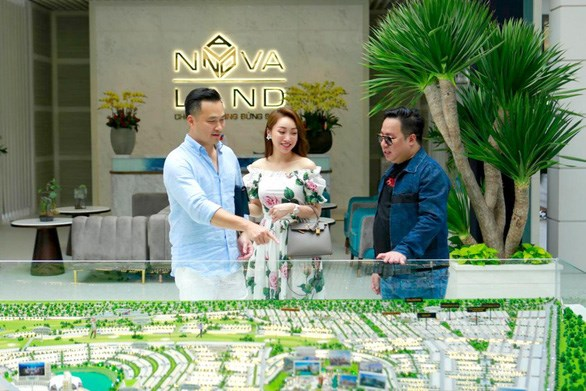 Chi Bảo đáp máy bay tới NovaWorld Phan Thiet  - Ảnh 3