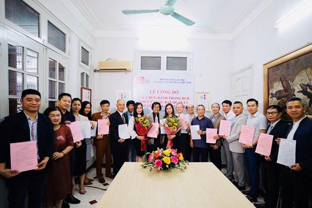 Hiệp hội Thiết kế mẫu và Sáng tạo mỹ thuật Việt Nam công bố các chức danh của Hiệp hội nhiệm kỳ 2018-2023 - Ảnh 1