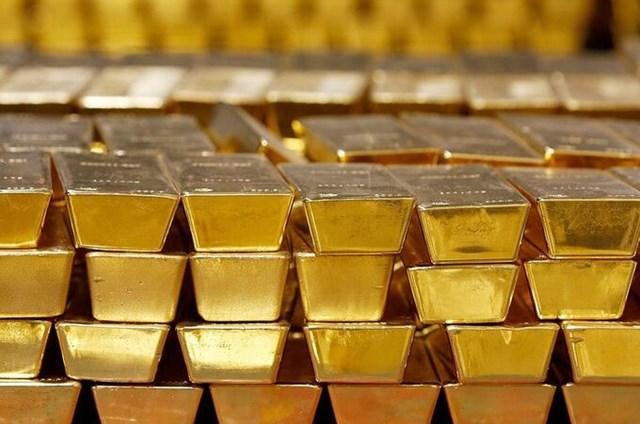 Vàng thỏi được cất giữ trong một hầm vàng ở West Point, New York.Ảnh: AP