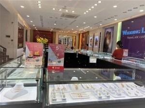Không gian mua sắm lý tưởng tại Trung tâm Vàng bạc Trang sức DOJI Trần Đăng Ninh, 39 Trần Đăng Ninh, Tam Thanh, TP Lạng Sơn